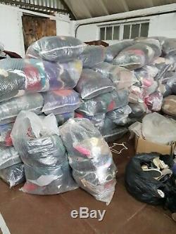 1000 Kilos Of Used Clothes Grade B (50 Sacks Of 20 Kilo) All Types Of Clothes
